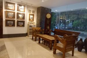 New Lobby Lounge