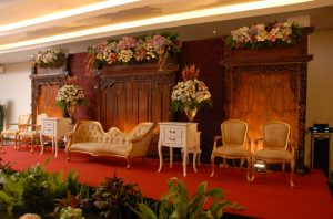 sukajadi-hotel-wedding-decor-stage