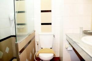 sukajadi hotel-standard-triple-bath