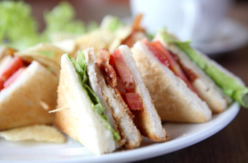 club-sandwich-sukajadi-hotel