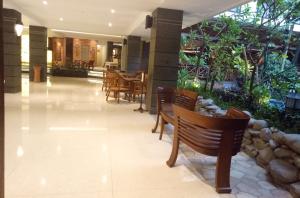 sukajadi-hotel-new-lobby-4
