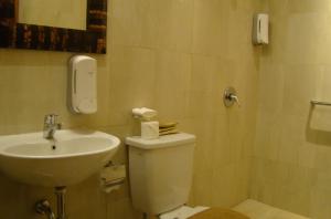 sukajadi-hotel-family-6