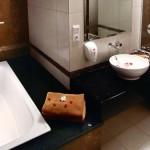 sukajadi hotel-honeymoon-bathroom