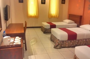sukajadi hotel-standard-triple