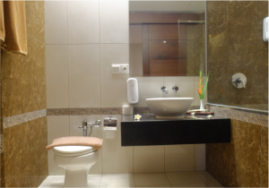 sukajadihotel-premiere-double-bathroom