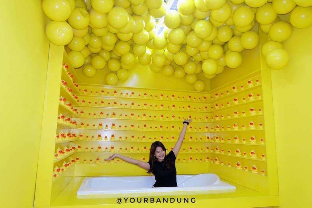 Tawarkan banyak spot Instagenic, Via Instagram @yourbandung